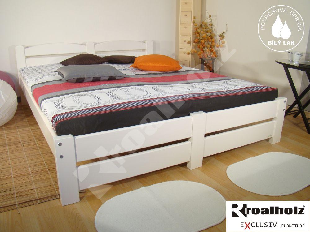 Bílé dvoulůžko z masivu RADKA NR, bílá manželská postel masiv ROALHOLZ