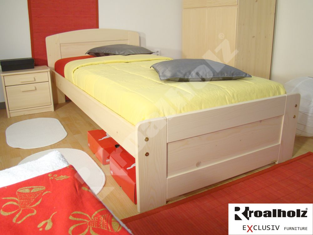 dřevěná postel z masivu PAVLA NR 90x200 od ROALHOLZ