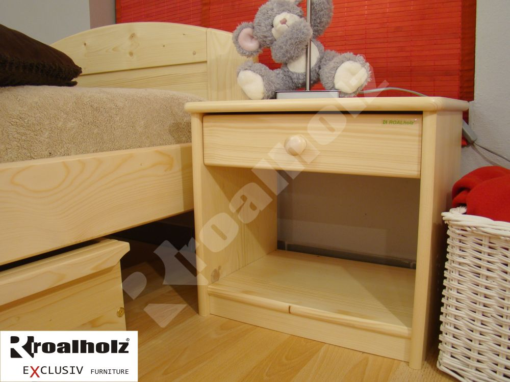 Dřevěný noční stolek z masivu MARK, noční stolek masiv ROALHOLZ