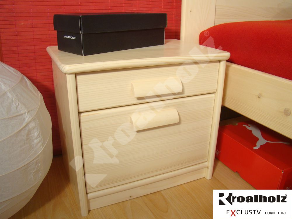 Dřevěný noční stolek z masivu MARKÉTA, smrkový noční stolek masiv ROALHOLZ